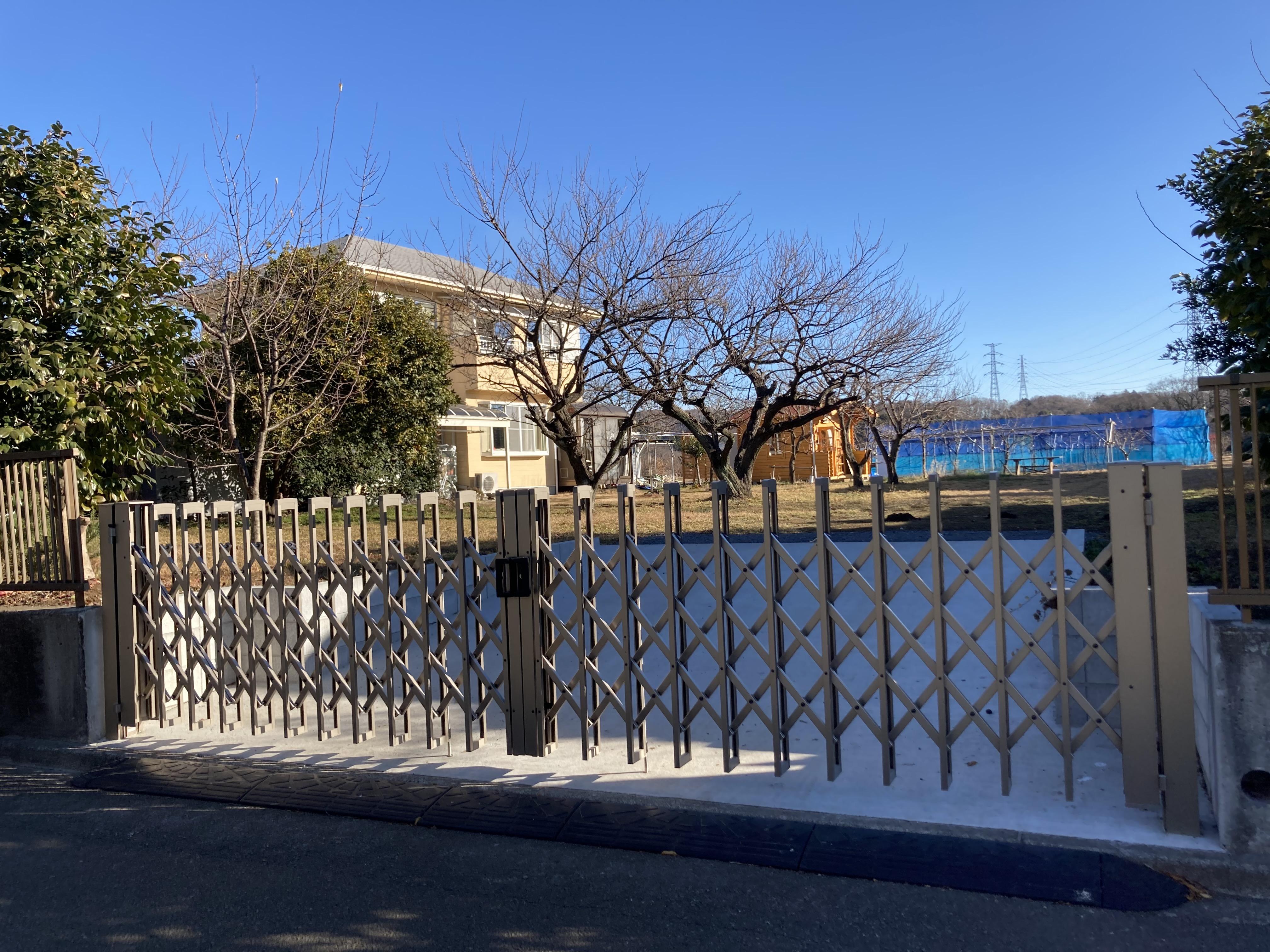 折りたたみゲート  駐車場打設工事